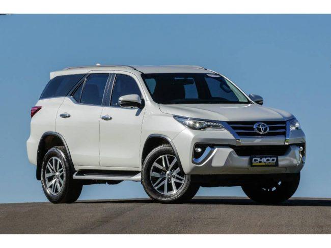 Toyota Hilux SW4 SRX 2.8 4x4 TB DIESEL AUT - 7 LUGARES 2018